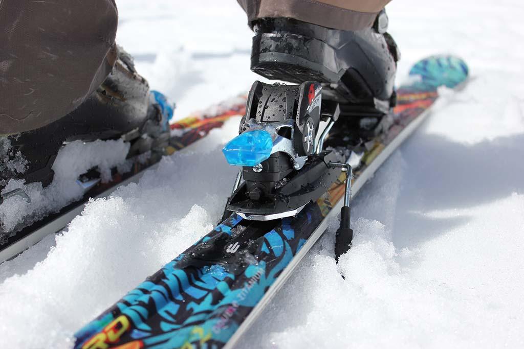 Servis lyží a snowboardů